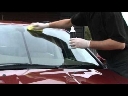 Pulir parabrisas coche